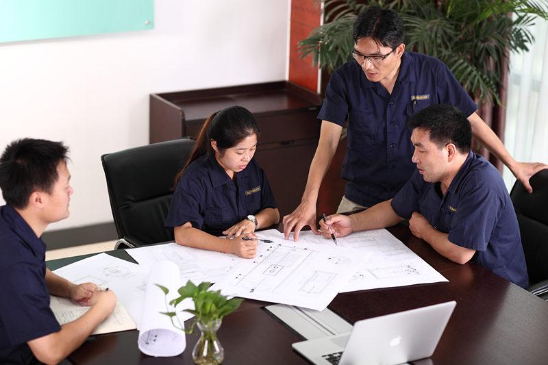 DISEÑO DE SISTEMA LIBRE e PRESUPUIXE Os servizos gratuítos de deseño e citas son proporcionados polo noso equipo de tecnoloxía GOMON. Estamos sempre aquí para axudar e ofrecer consellos onde sexa necesario, só fainos unha chamada ou correo electrónico, para que podamos comezar. O noso equipo de tecnoloxía GOMON deseñará un sistema de auga quente especialmente para a súa casa. Estamos felices de aconsellamos sobre a mellor solución do sistema para acadar os seus obxectivos, aínda que iso signifique recomendar solucións de auga quente alternativas.
